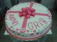 torta-compleanno-nastro-rosa