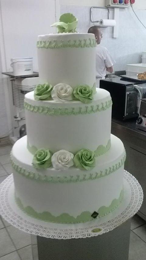 torta-matrimonio-rose-verdi