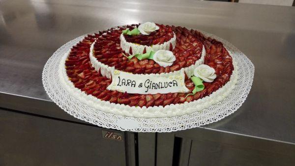 torta_matrimonio_con_fragole